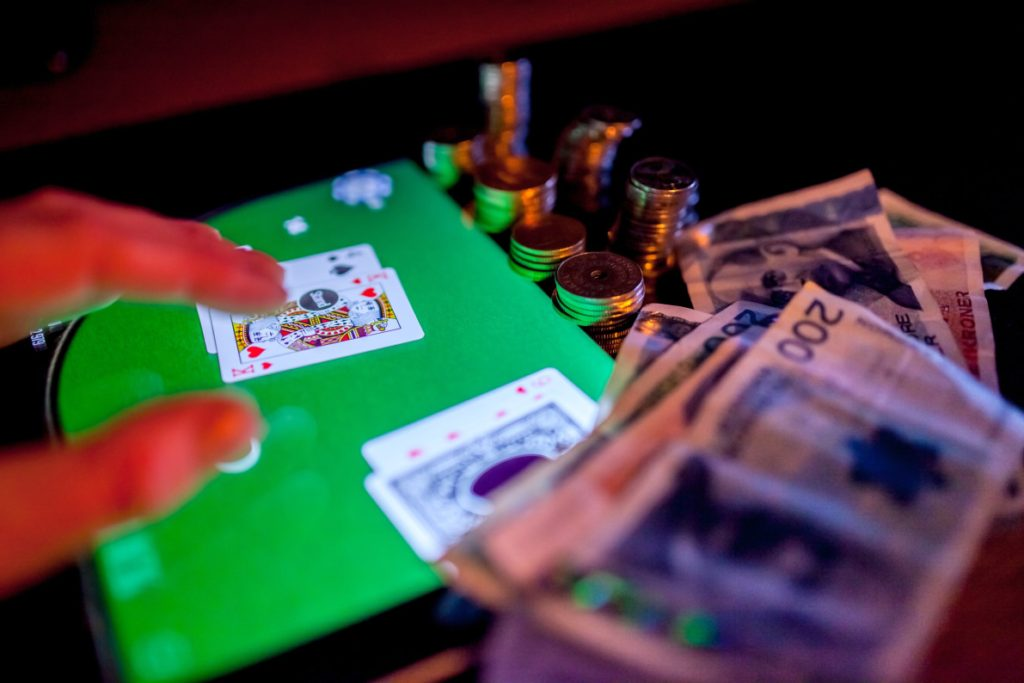 How to Recognize Rigged Online Poker Games