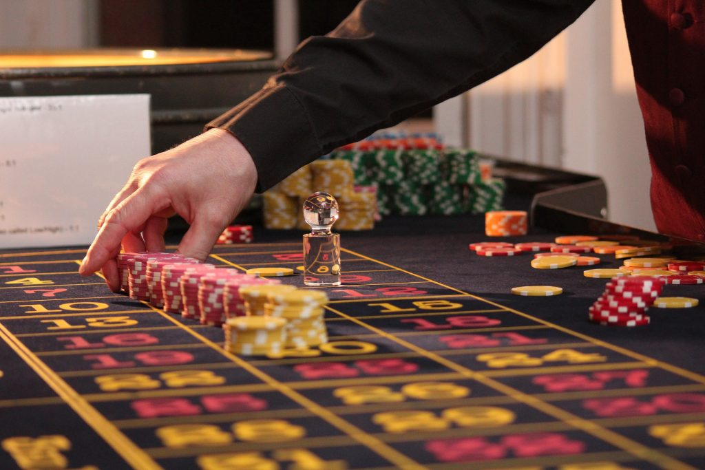 Eight Tricks To Be A 'Boss' On The Poker Desk