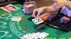Six Key Ways The Professionals Use For Gambling